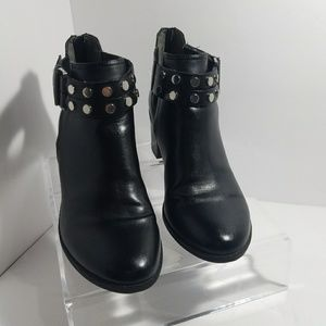 Bar 111 ankle boots. Black size 8